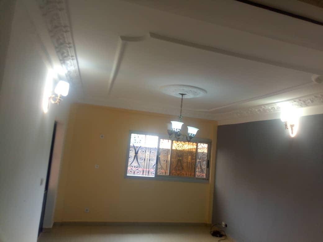 Apartment to rent - Douala, PK 14, PUIS PRÉCISEMENT À SITABAC PK13 PRESQUE EN ROUTE - 1 living room(s), 2 bedroom(s), 2 bathroom(s) - 100 000 FCFA / month