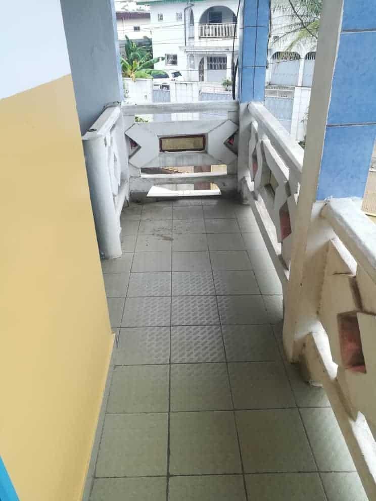 Apartment to rent - Douala, Bonamoussadi, Ver hôtel mbaya - 1 living room(s), 1 bedroom(s), 1 bathroom(s) - 80 000 FCFA / month