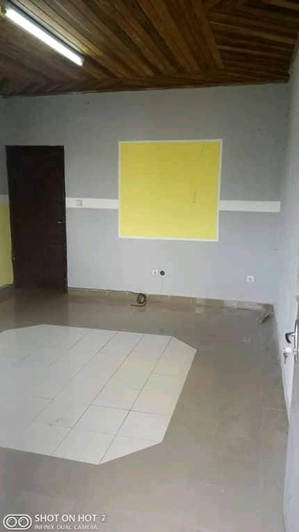 Apartment to rent - Douala, PK 11, C'est a pk12 - 1 living room(s), 1 bedroom(s), 1 bathroom(s) - 50 000 FCFA / month