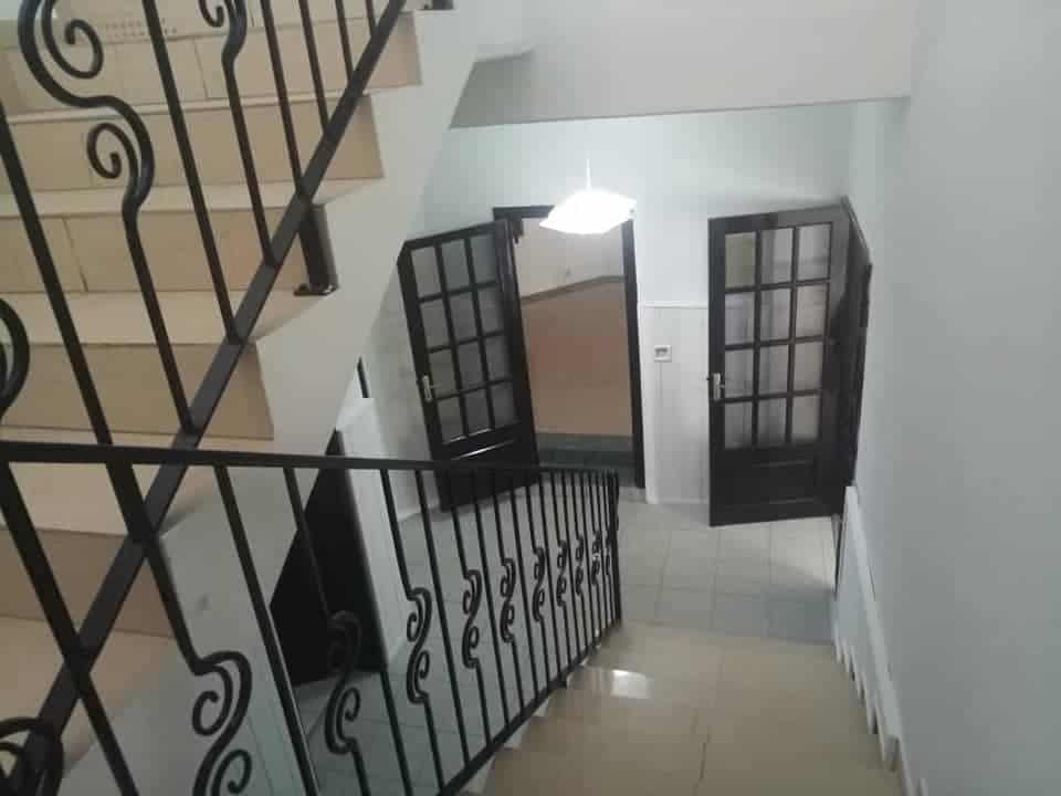 House (Villa) to rent - Douala, Bonapriso, bonapriso - 1 living room(s), 5 bedroom(s), 5 bathroom(s) - 1 500 000 FCFA / month