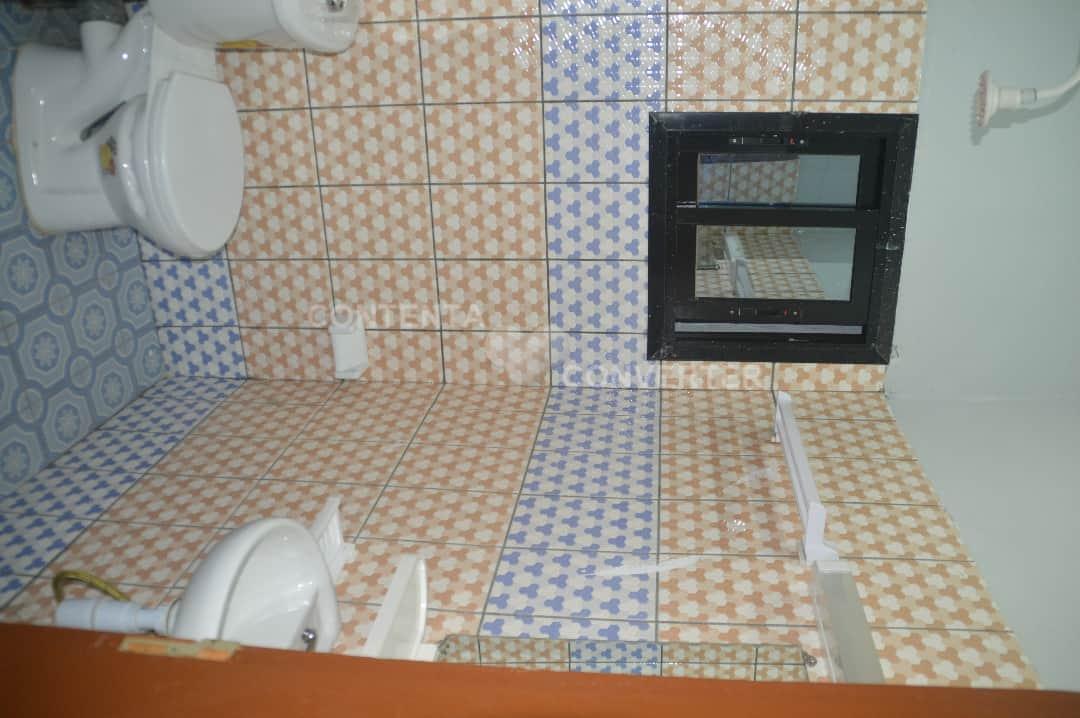 House (Triplex) for sale - Douala, Akwa I, Makepe - 12 living room(s), 21 bedroom(s), 21 bathroom(s) - 550 000 000 FCFA / month