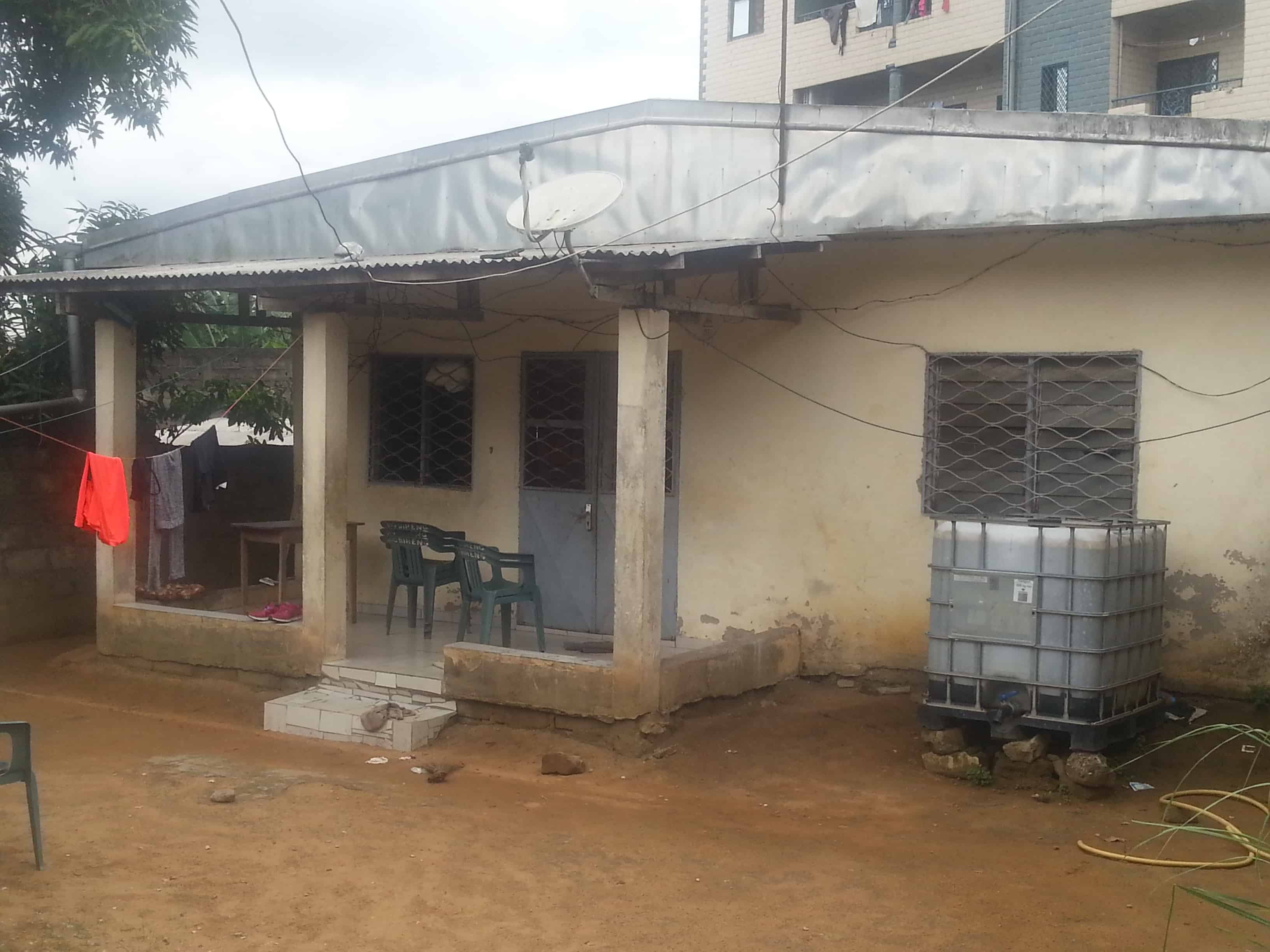 House (Villa) for sale - Douala, Cite Ubo Palmiers, Lycée - 1 living room(s), 3 bedroom(s), 2 bathroom(s) - 16 000 000 FCFA / month