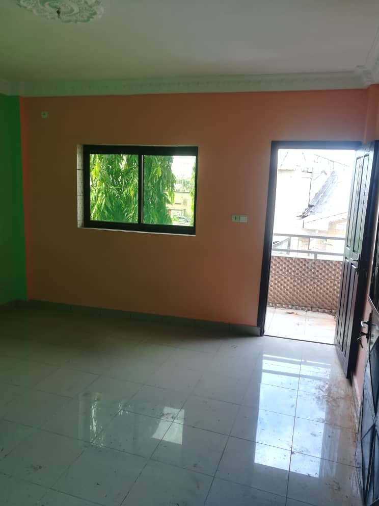 Chambre à louer - Douala, Bonamoussadi, Ver hôtel mbanya - 80 000 FCFA / mois