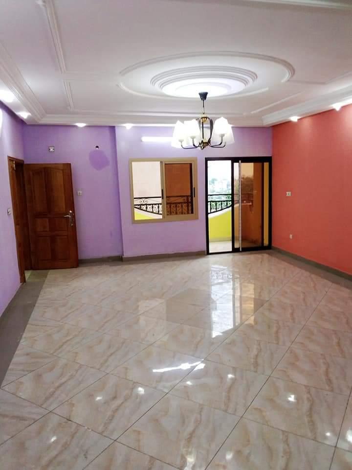Apartment to rent - Douala, Makepe, derrière le lycée de makepe(montana city). - 1 living room(s), 3 bedroom(s), 4 bathroom(s) - 150 000 FCFA / month