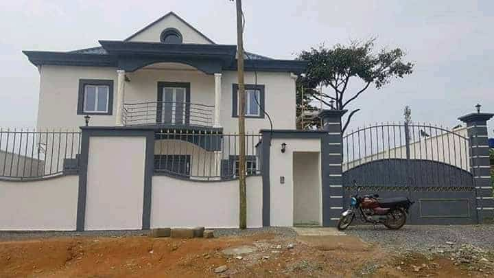 House (Duplex) for sale - Douala, Nyala Bassa, Pariso - 2 living room(s), 5 bedroom(s), 5 bathroom(s) - 150 000 000 FCFA / month
