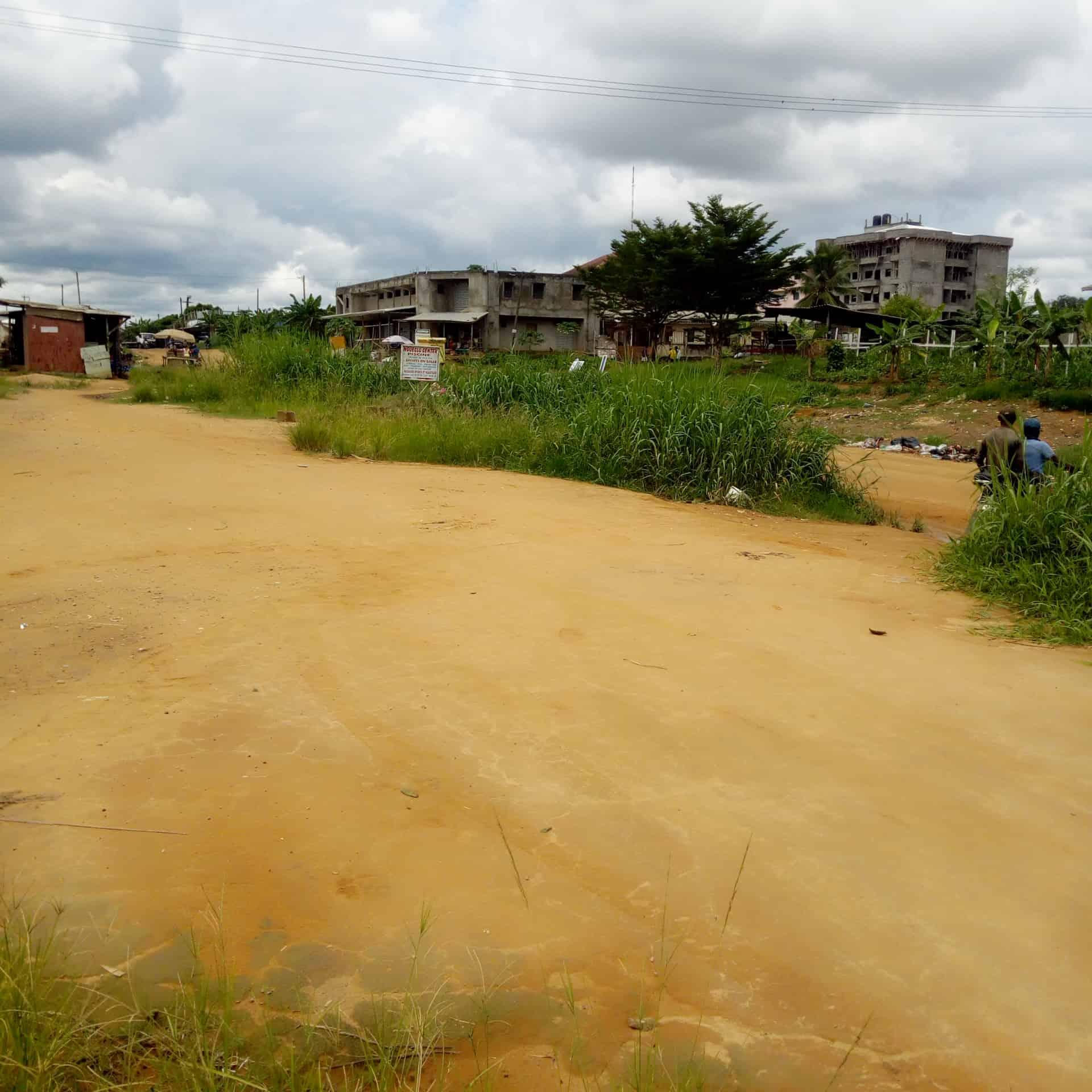 Land for sale at Douala, Logbessou I, Antenne CRTV - 500 m2 - 60 000 000 FCFA