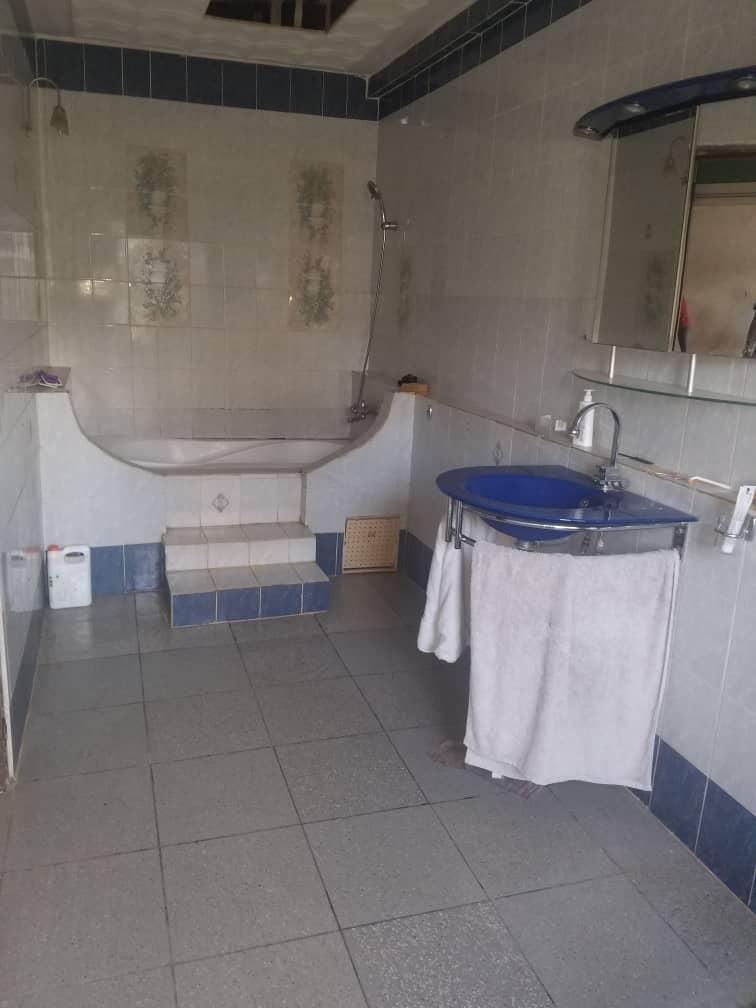 House (Villa) to rent - Douala, Kotto, Kotto - 1 living room(s), 4 bedroom(s), 4 bathroom(s) - 400 000 FCFA / month
