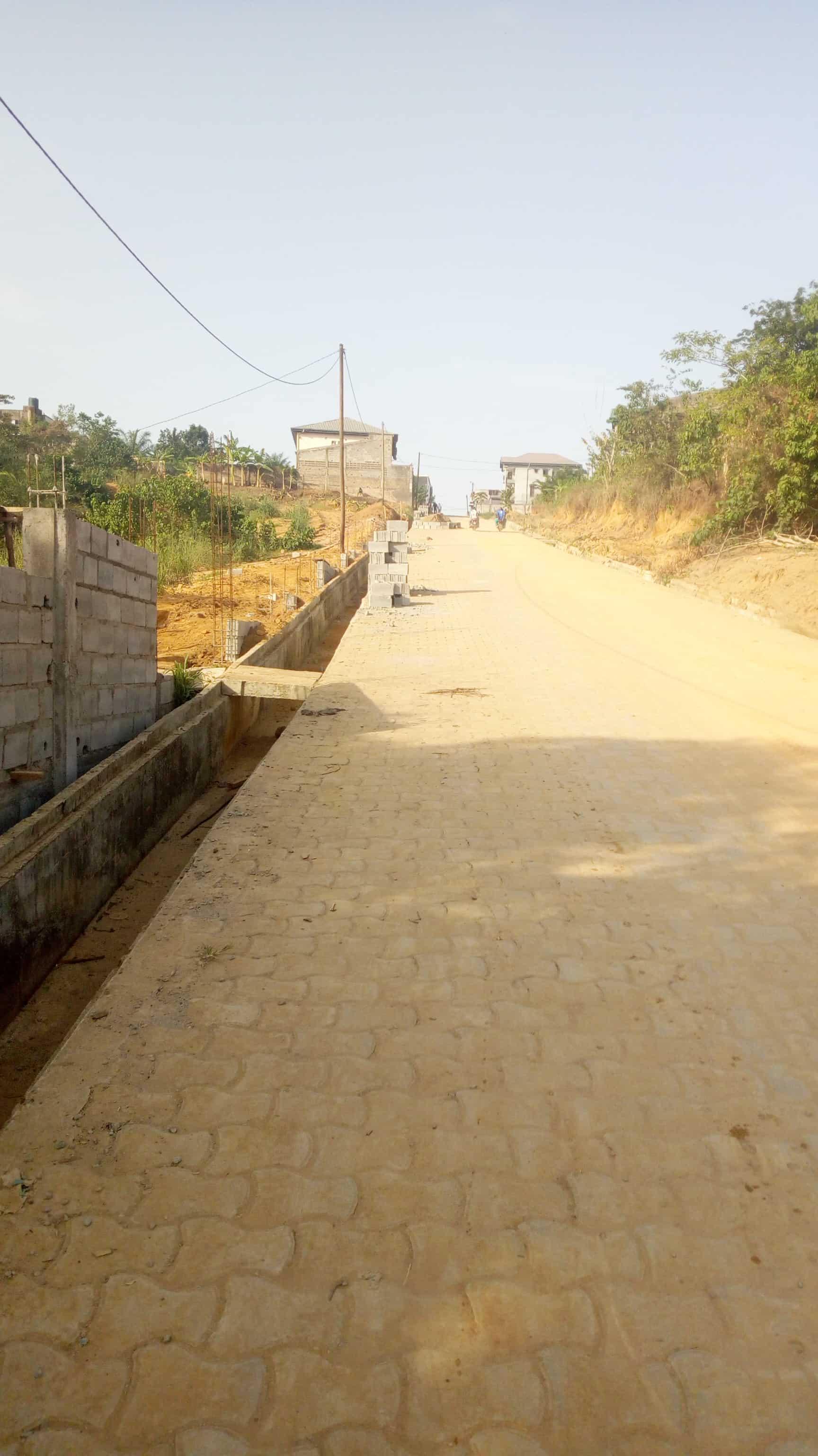 Land for sale at Douala, PK 19, Dans le quartier, - 1000 m2 - 70 000 000 FCFA