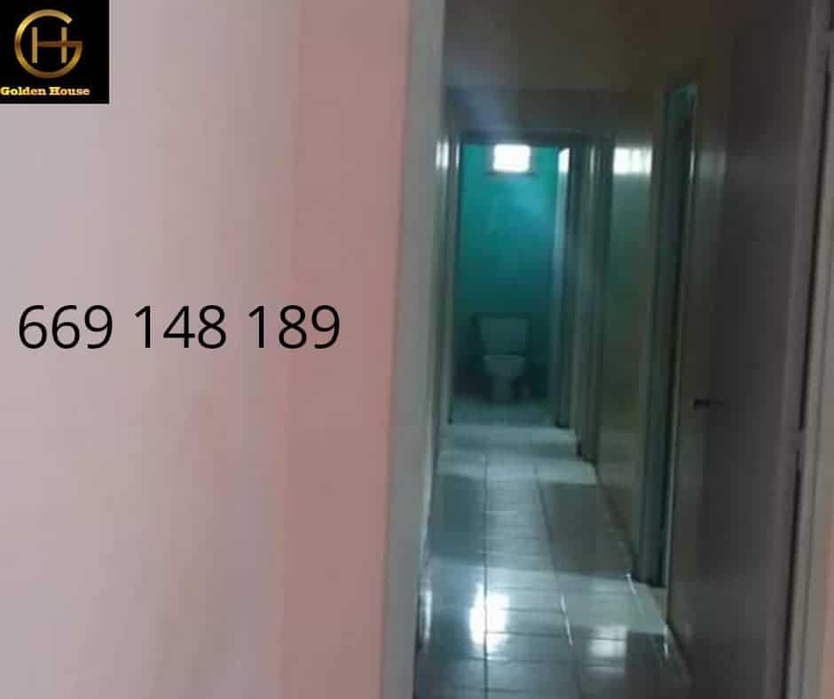 House (Villa) for sale - Douala, Makepe, makepe - 1 living room(s), 5 bedroom(s), 3 bathroom(s) - 75 000 000 FCFA / month