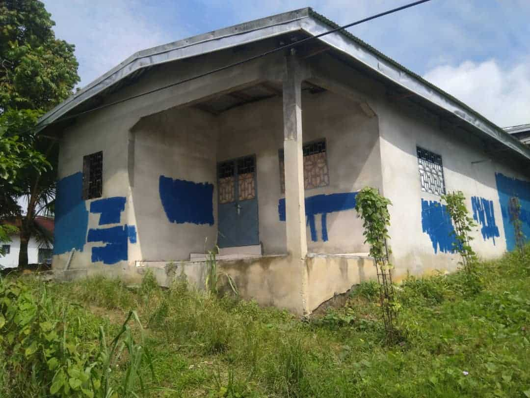 House (Villa) for sale - Douala, Logbaba, Jardin - 1 living room(s), 3 bedroom(s), 2 bathroom(s) - 11 000 000 FCFA / month