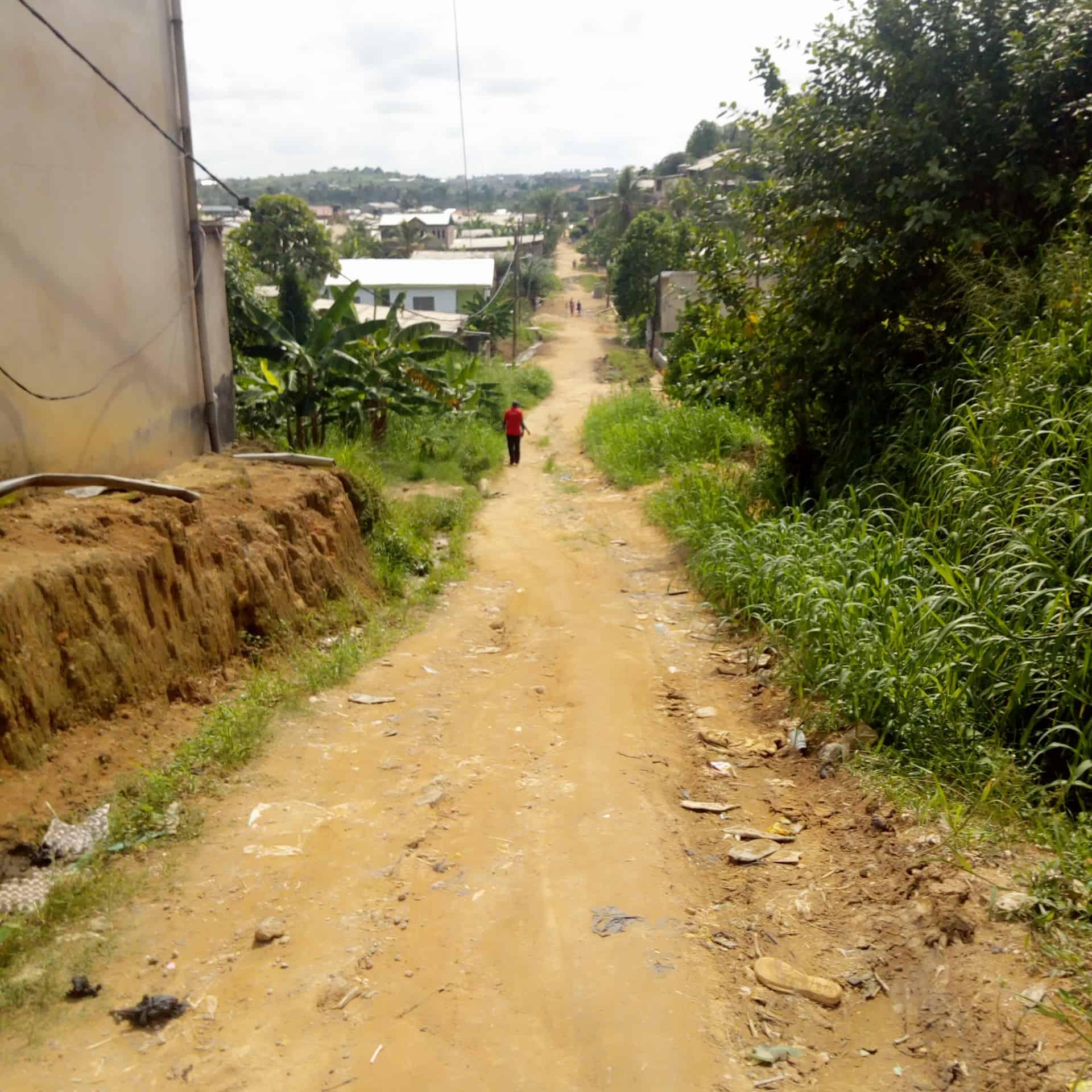 Land for sale at Douala, Bangue, Bangue bonamoussadi toiture rouge - 480 m2 - 15 000 000 FCFA