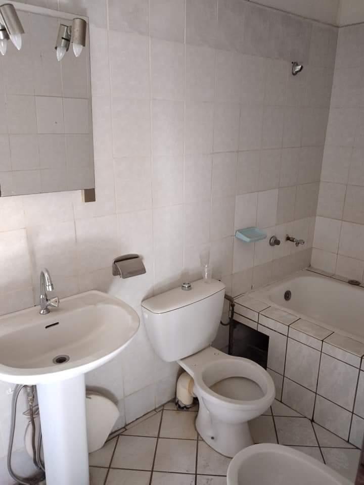 House (Duplex) to rent - Douala, Deido, après école public. - 2 living room(s), 4 bedroom(s), 4 bathroom(s) - 300 000 FCFA / month