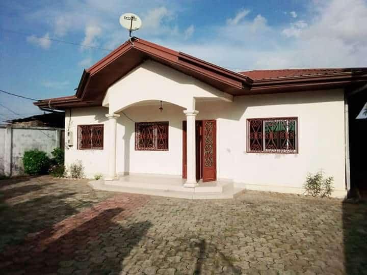 House (Villa) to rent - Douala, Logpom, Ver bassong - 1 living room(s), 3 bedroom(s), 2 bathroom(s) - 200 000 FCFA / month