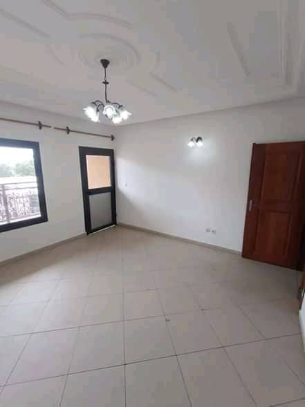 Apartment to rent - Douala, Makepe, Rond po - 1 living room(s), 1 bedroom(s), 1 bathroom(s) - 100 000 FCFA / month
