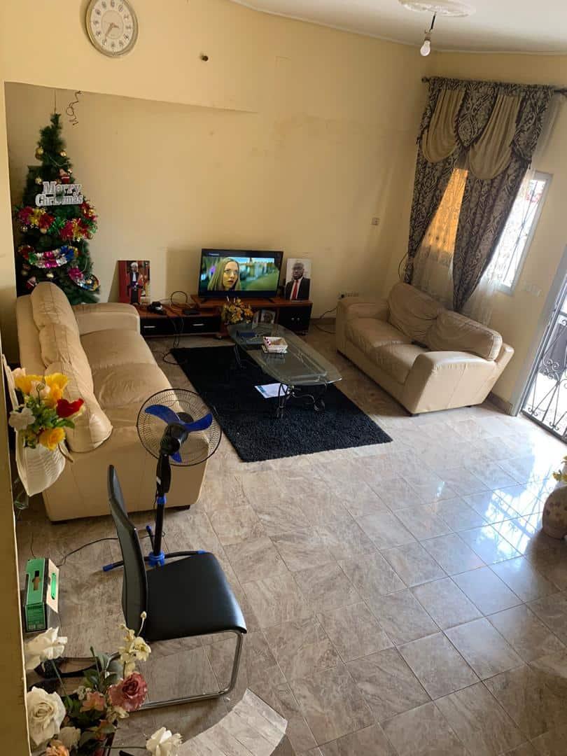 Maison (Villa) à louer - Douala, Malangue, Malan - 3 salon(s), 3 chambre(s), 3 salle(s) de bains - 200 000 FCFA / mois