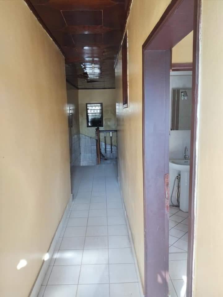 House (Duplex) to rent - Douala, Bonateki, Deido - 2 living room(s), 4 bedroom(s), 4 bathroom(s) - 300 000 FCFA / month