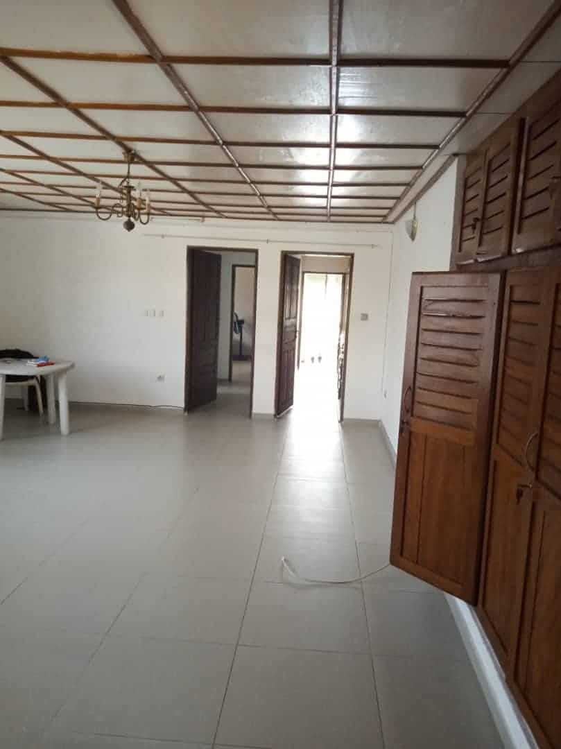 Apartment to rent - Douala, Bali, Collège polivalent - 1 living room(s), 1 bedroom(s), 1 bathroom(s) - 200 000 FCFA / month