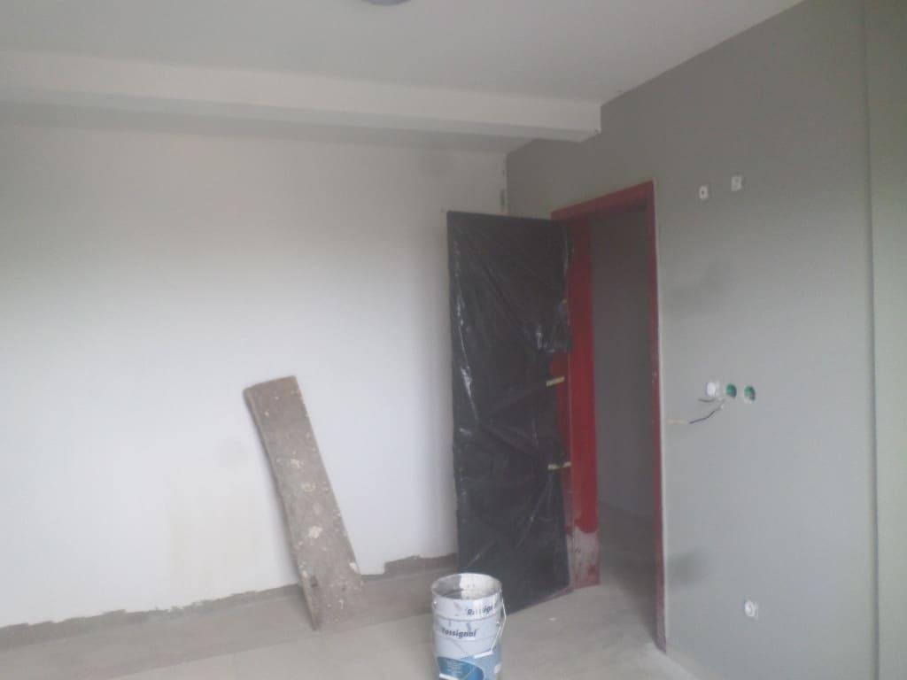 Apartment to rent - Yaoundé, Bastos, pas loin du rond point bastos IMMEUBLE NEUF DE 9 APPARTEMENT AVEC ASCENCEUR  5 APPARTEMENT DE 3 CHAMBRES ET 4 APPARTEMENT DE  2CHAMBRES - 1 living room(s), 3 bedroom(s), 4 bathroom(s) - 17 000 000 FCFA / month