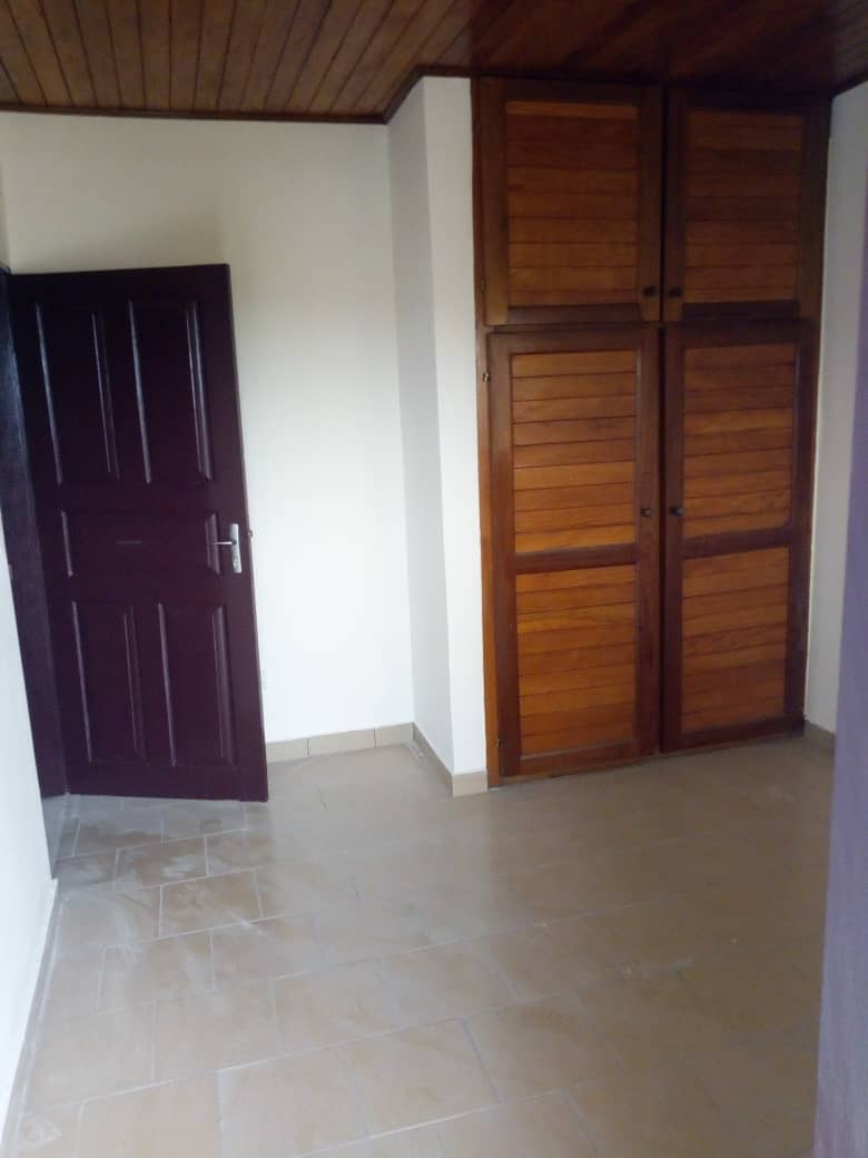 Apartment to rent - Douala, Bangue, Kotto - 1 living room(s), 2 bedroom(s), 2 bathroom(s) - 90 000 FCFA / month