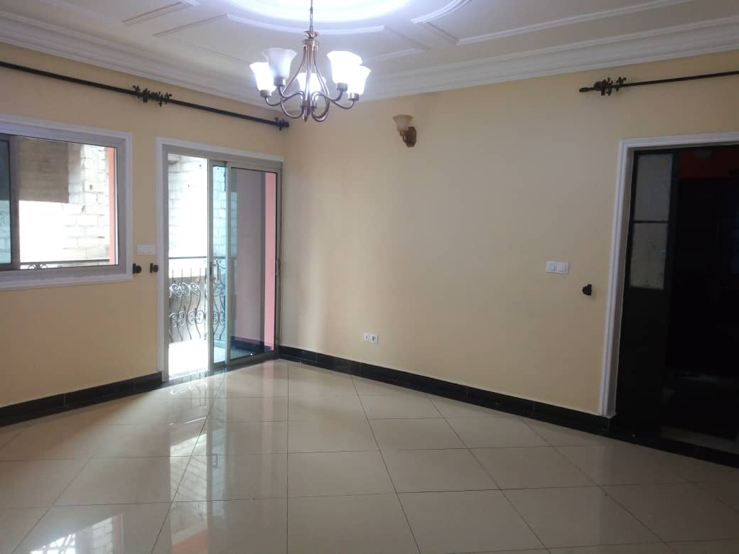 Apartment to rent - Douala, Makepe, St tropez - 1 living room(s), 2 bedroom(s), 2 bathroom(s) - 150 000 FCFA / month