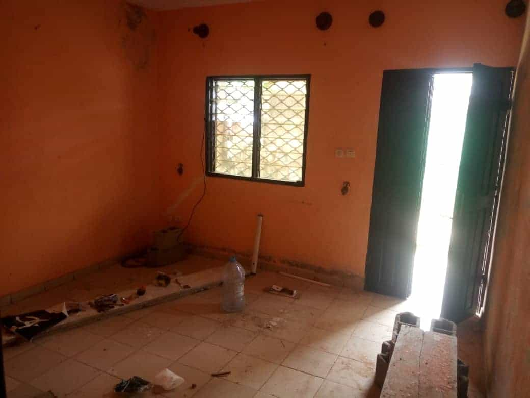 Apartment to rent - Douala, Makepe, St tropez - 1 living room(s), 1 bedroom(s), 1 bathroom(s) - 70 000 FCFA / month