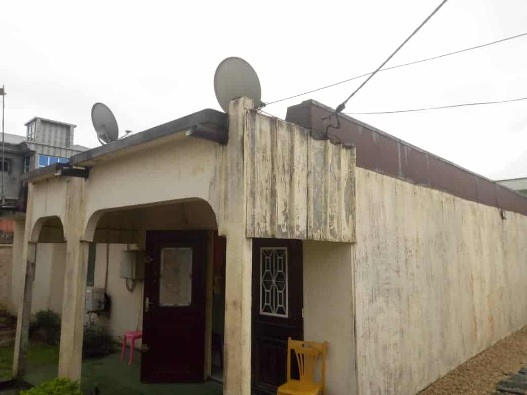 House (Villa) for sale - Douala, Makepe, makepe - 1 living room(s), 3 bedroom(s), 2 bathroom(s) - 60 000 000 FCFA / month