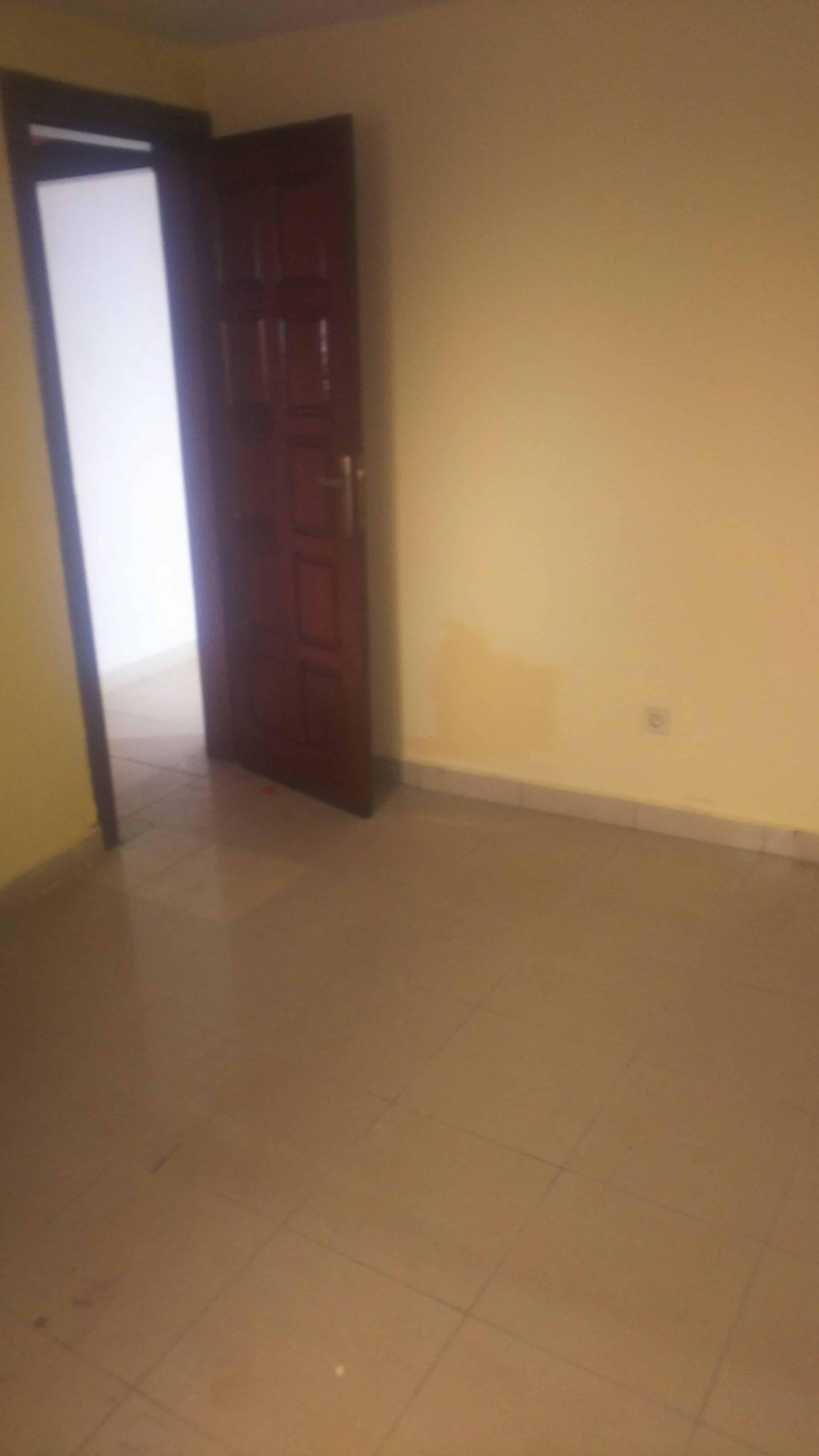 Chambre à louer - Douala, Ndoghem, Nouvelle Route cité CICAM - 35 000 FCFA / mois