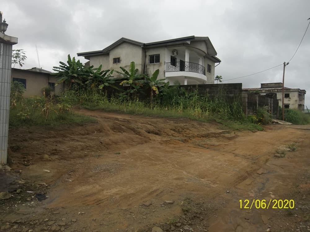 Land for sale at Douala, Yassa, Maetur - 600 m2 - 24 000 000 FCFA