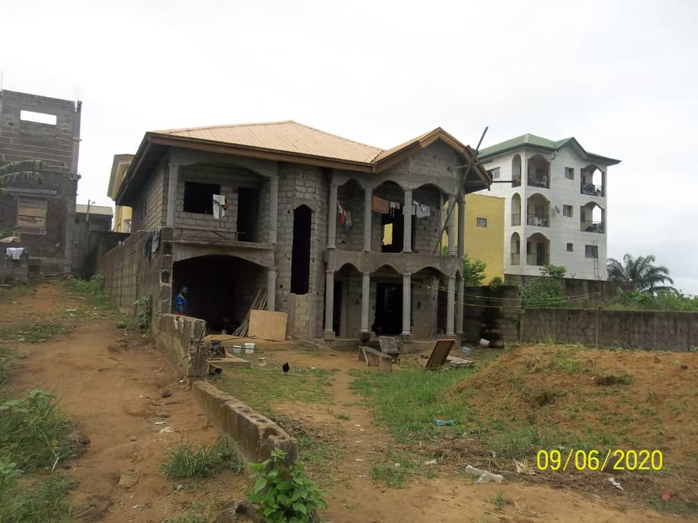 House (Villa) for sale - Douala, Yassa, Maétur Mbanga Bakoko - 1 living room(s), 4 bedroom(s), 3 bathroom(s) - 50 000 000 FCFA / month