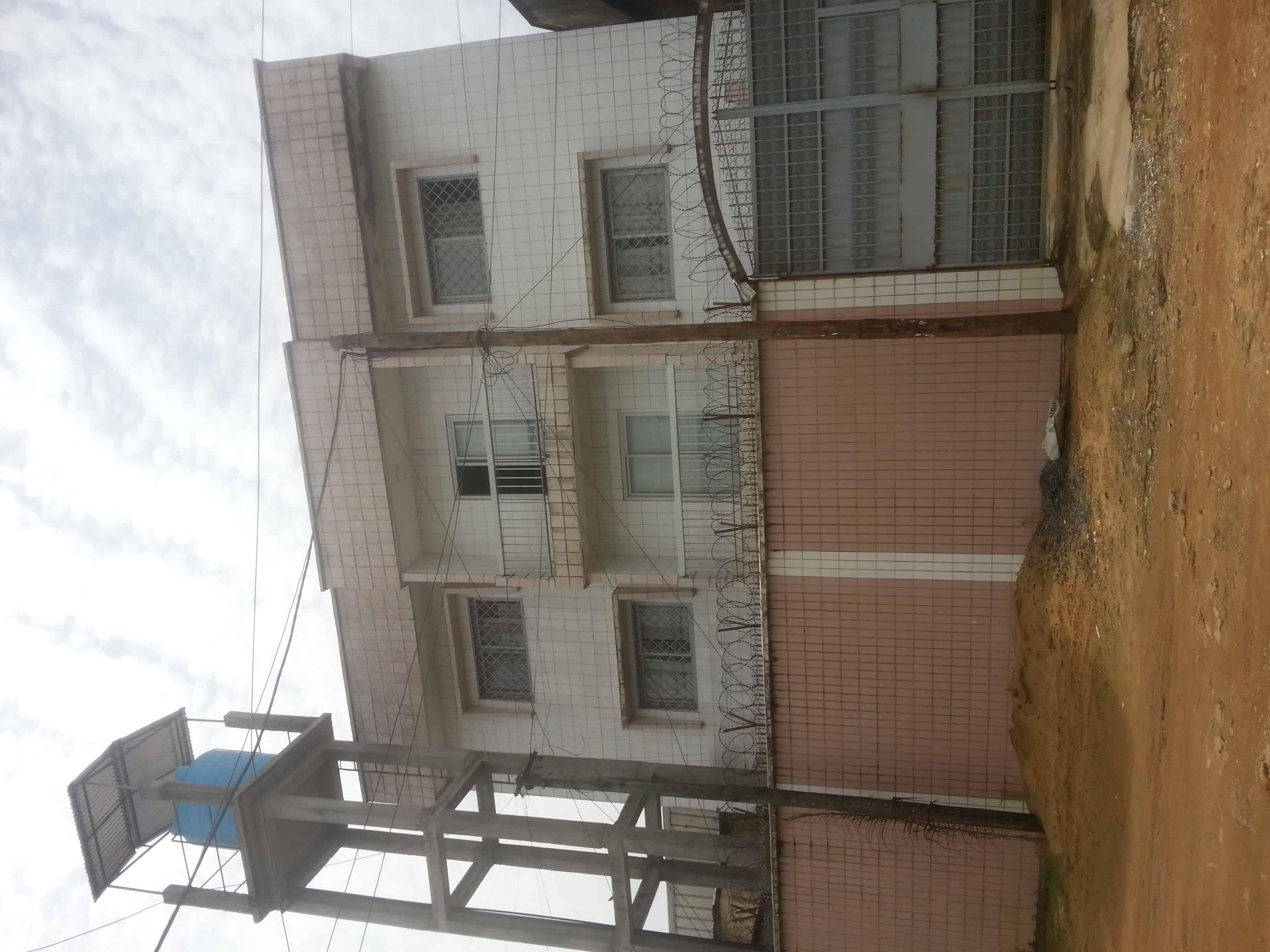 House (Triplex) for sale - Douala, Ndogbong, ndogbong - 2 living room(s), 6 bedroom(s), 5 bathroom(s) - 145 000 000 FCFA / month