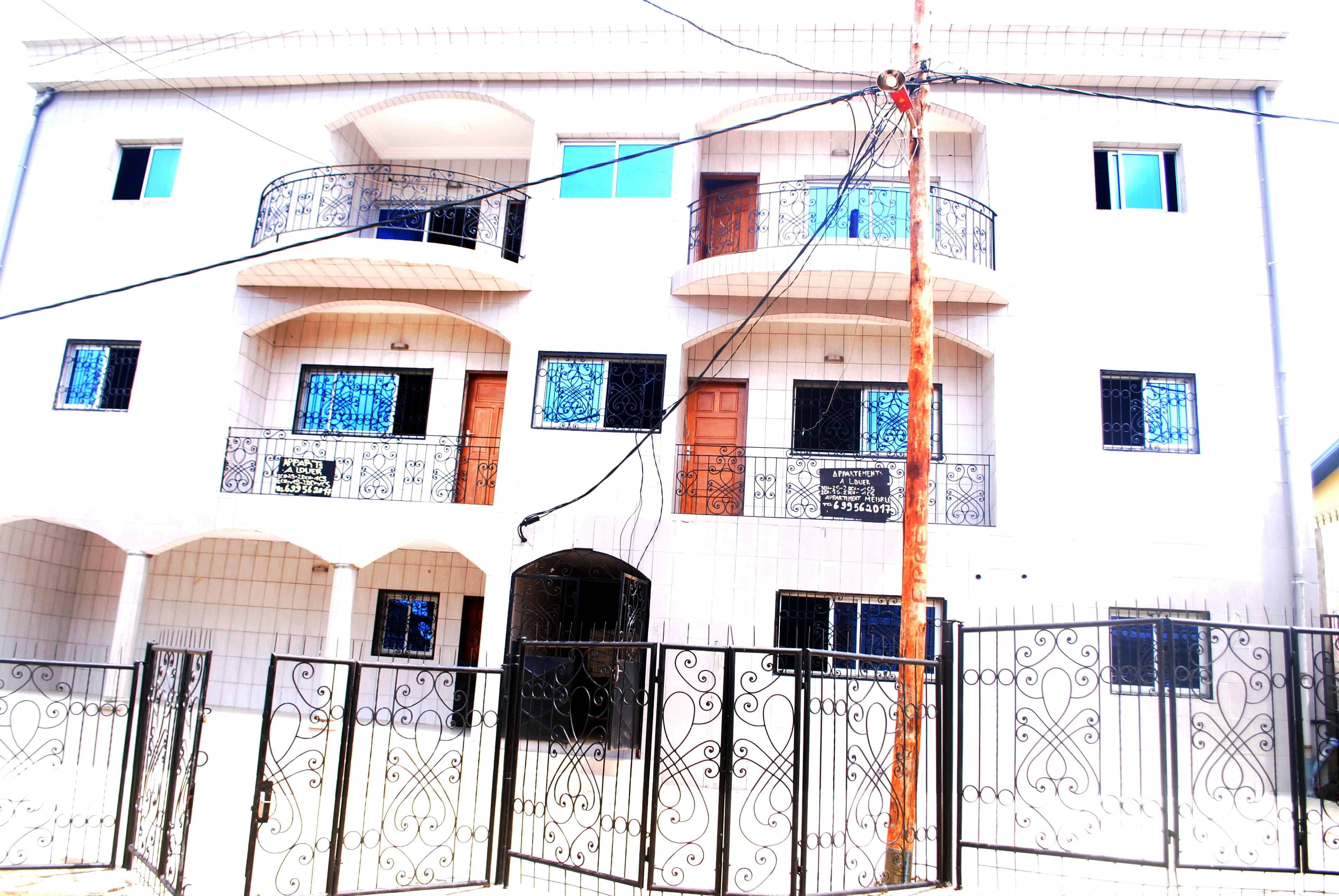 Apartment to rent - Douala, Logpom, LOGPOM FIN GOUDRON, LOGBESSOU, MAKEPE - 1 living room(s), 2 bedroom(s), 2 bathroom(s) - 110 000 FCFA / month