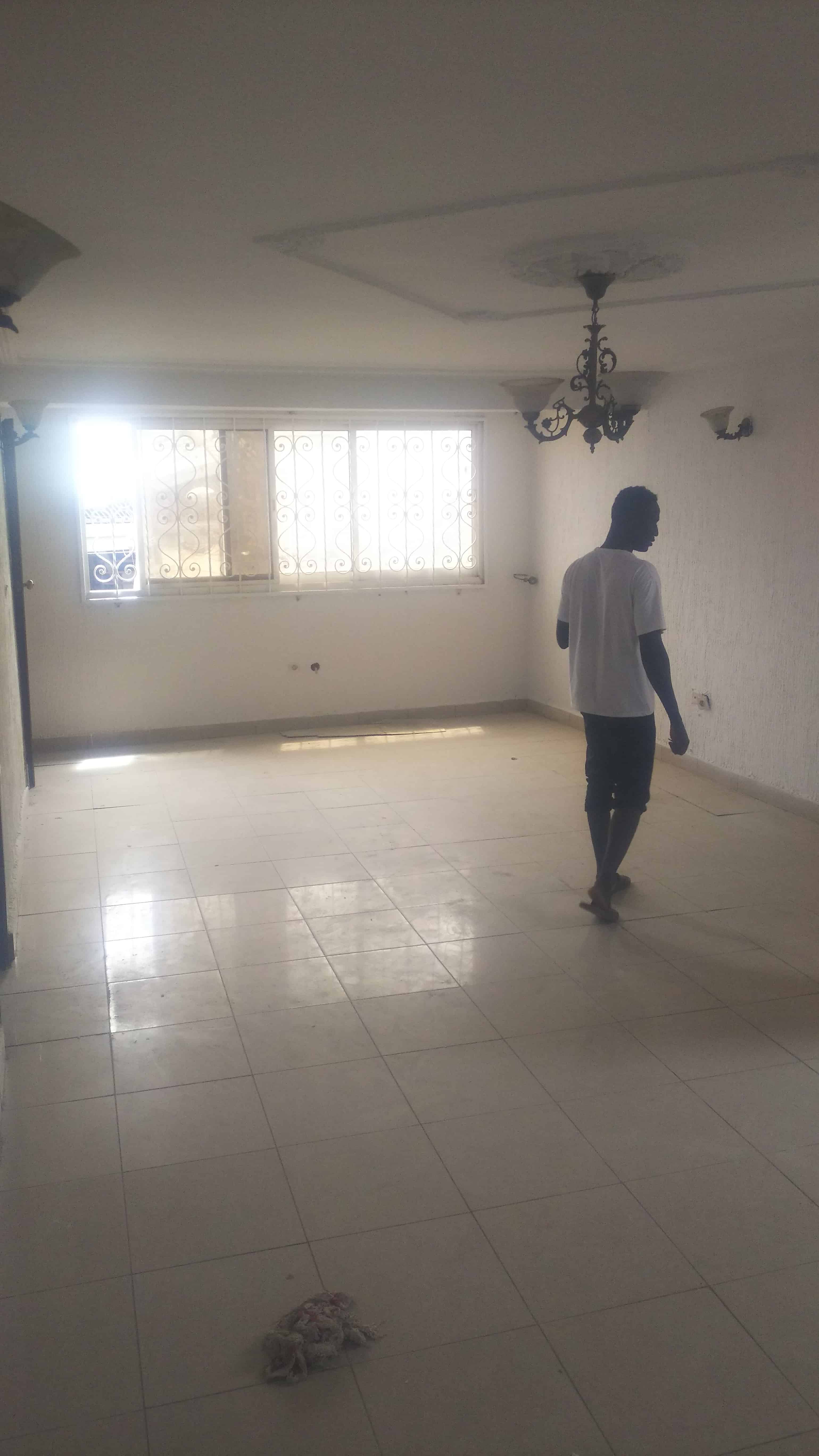 Apartment to rent - Douala, Ndoghem, Ndogbong, Socaver - 1 living room(s), 2 bedroom(s), 2 bathroom(s) - 170 000 FCFA / month