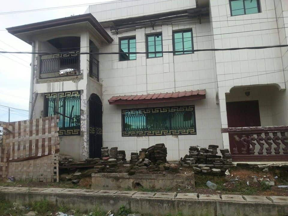 House (Duplex) for sale - Douala, Bonaberi, carrefour andem - 2 living room(s), 5 bedroom(s), 4 bathroom(s) - 85 000 000 FCFA / month