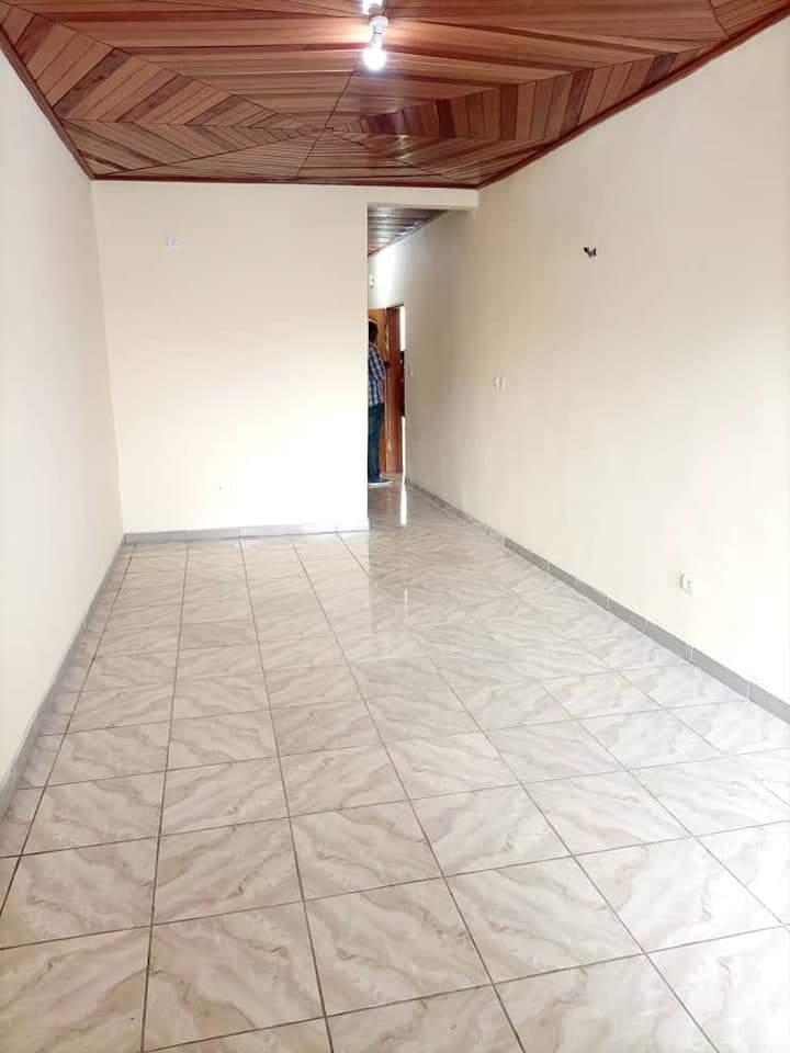 Apartment to rent - Douala, Logbessou I, RUE DES PAVÉS UNIVERSITÉ ISTDI - 1 living room(s), 1 bedroom(s), 1 bathroom(s) - 70 000 FCFA / month