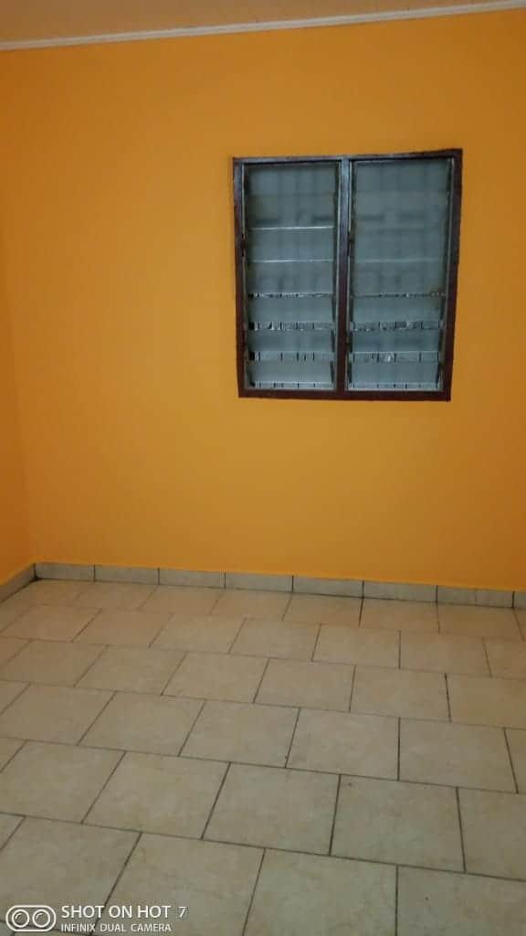 Apartment to rent - Douala, PK 11, Pk12 - 1 living room(s), 3 bedroom(s), 2 bathroom(s) - 100 000 FCFA / month