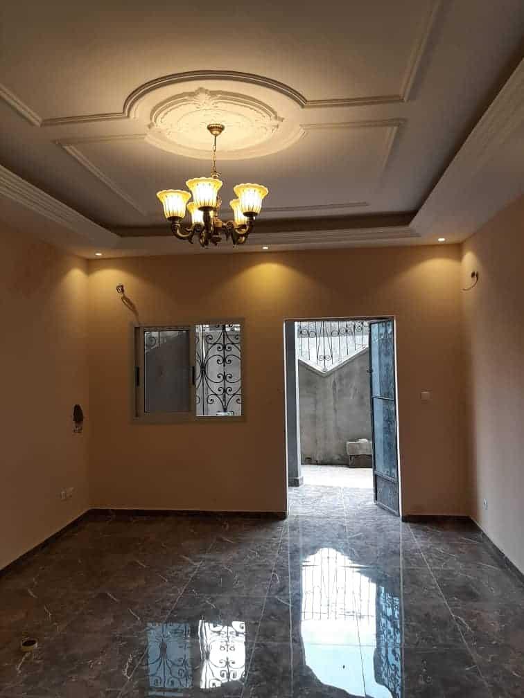 Apartment to rent - Douala, Ndogpassi I, Derrière le 14ème - 1 living room(s), 2 bedroom(s), 2 bathroom(s) - 100 000 FCFA / month