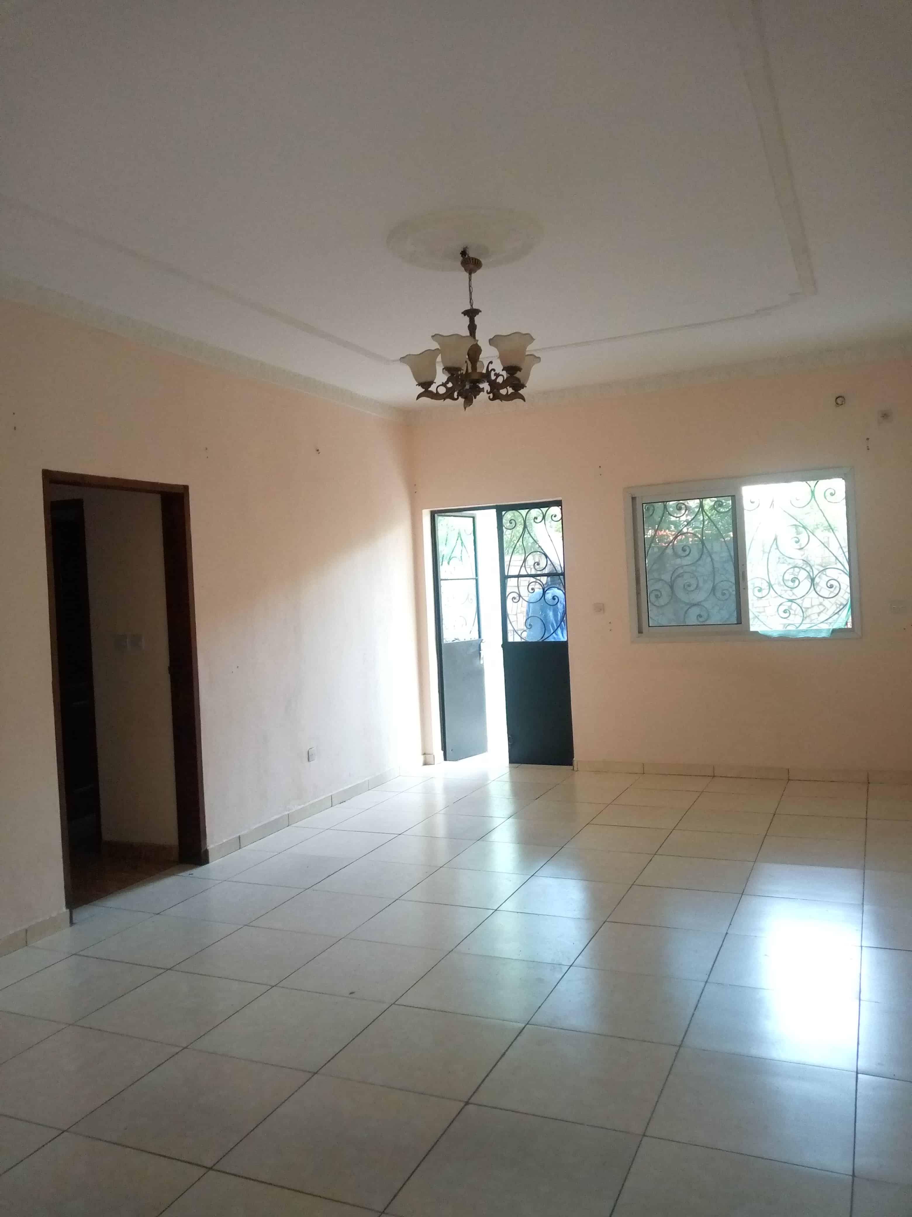 Apartment to rent - Douala, Logpom, Lycée - 1 living room(s), 2 bedroom(s), 2 bathroom(s) - 100 000 FCFA / month