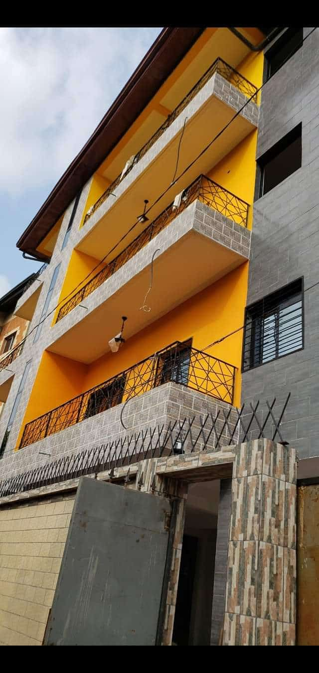 Apartment to rent - Douala, Makepe, Derrière le lycée de makepe - 1 living room(s), 1 bedroom(s), 1 bathroom(s) - 85 000 FCFA / month