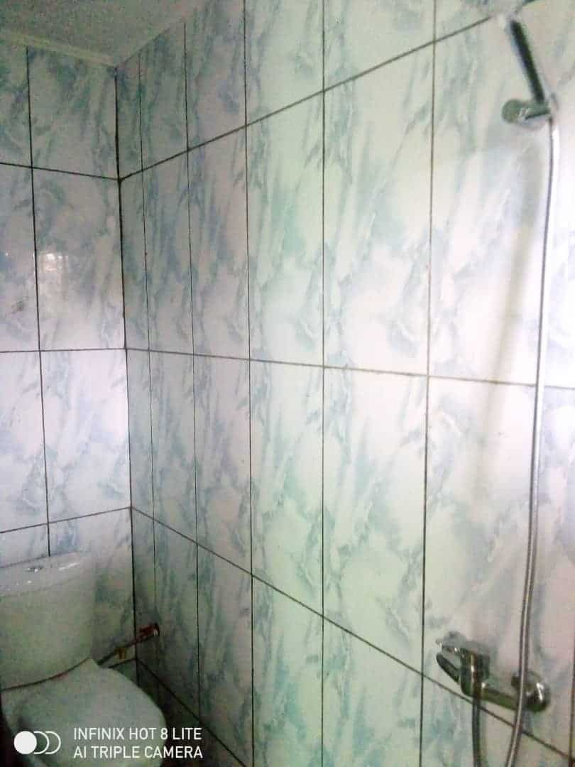 Apartment to rent - Douala, Logbessou II, Ver carrefour logbessou - 1 living room(s), 2 bedroom(s), 2 bathroom(s) - 100 000 FCFA / month