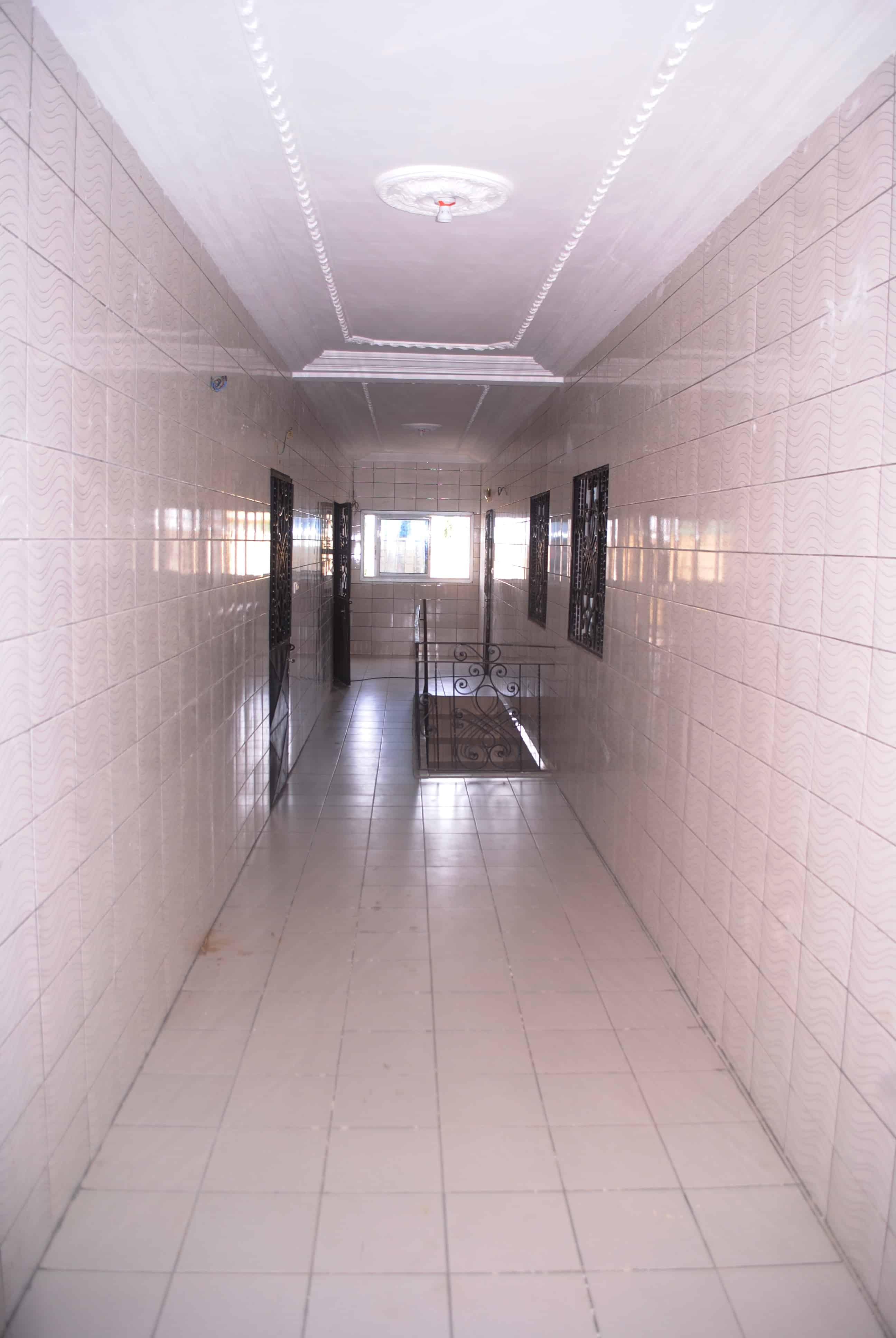 Apartment to rent - Douala, Logbessou I, eglise saint basile , carrefour temgoua - 1 living room(s), 2 bedroom(s), 1 bathroom(s) - 110 000 FCFA / month