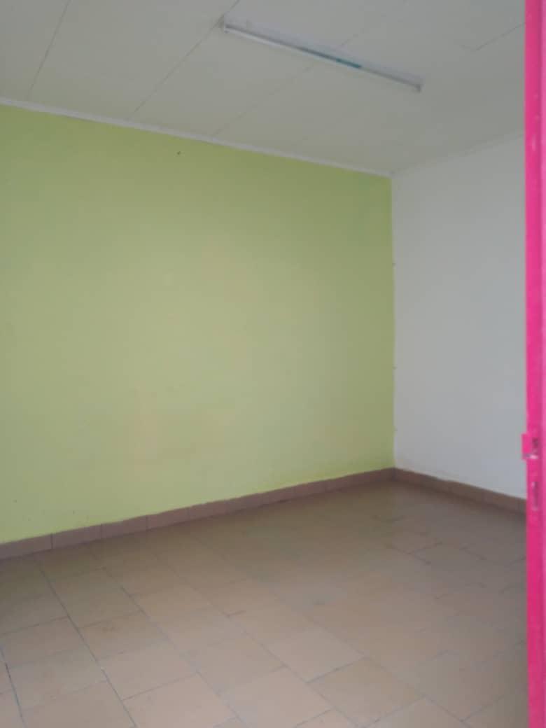 Apartment to rent - Douala, Bonamoussadi, Ver  m boa - 1 living room(s), 1 bedroom(s), 1 bathroom(s) - 70 000 FCFA / month