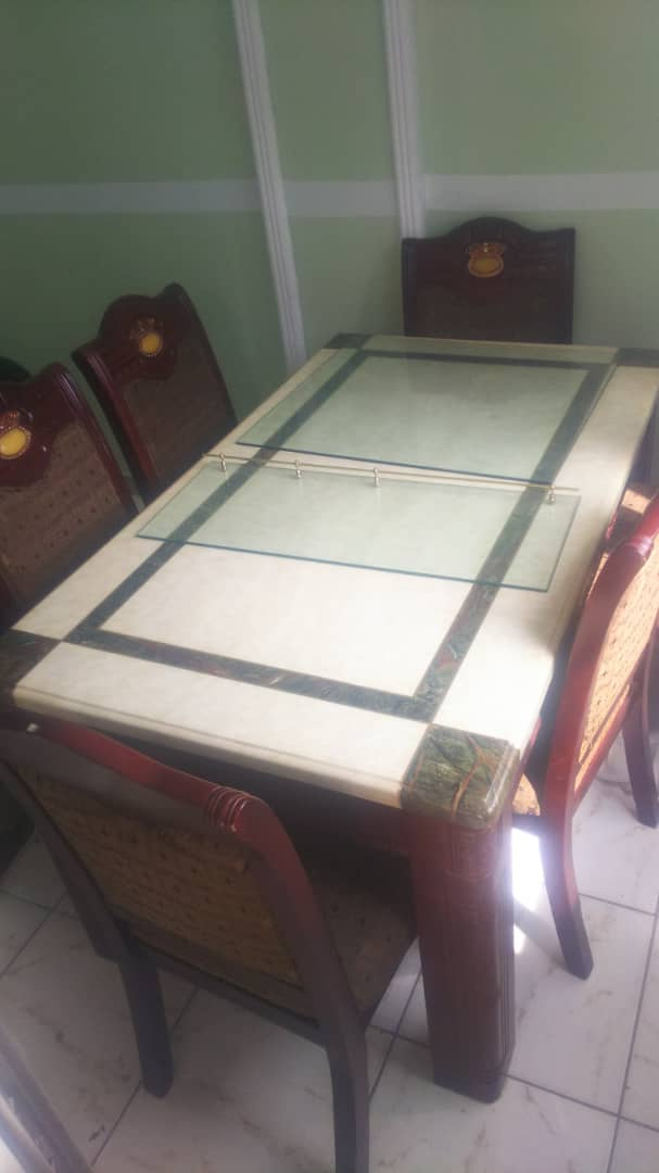 Apartment to rent - Douala, Bonateki, Deido - 1 living room(s), 3 bedroom(s), 2 bathroom(s) - 200 000 FCFA / month