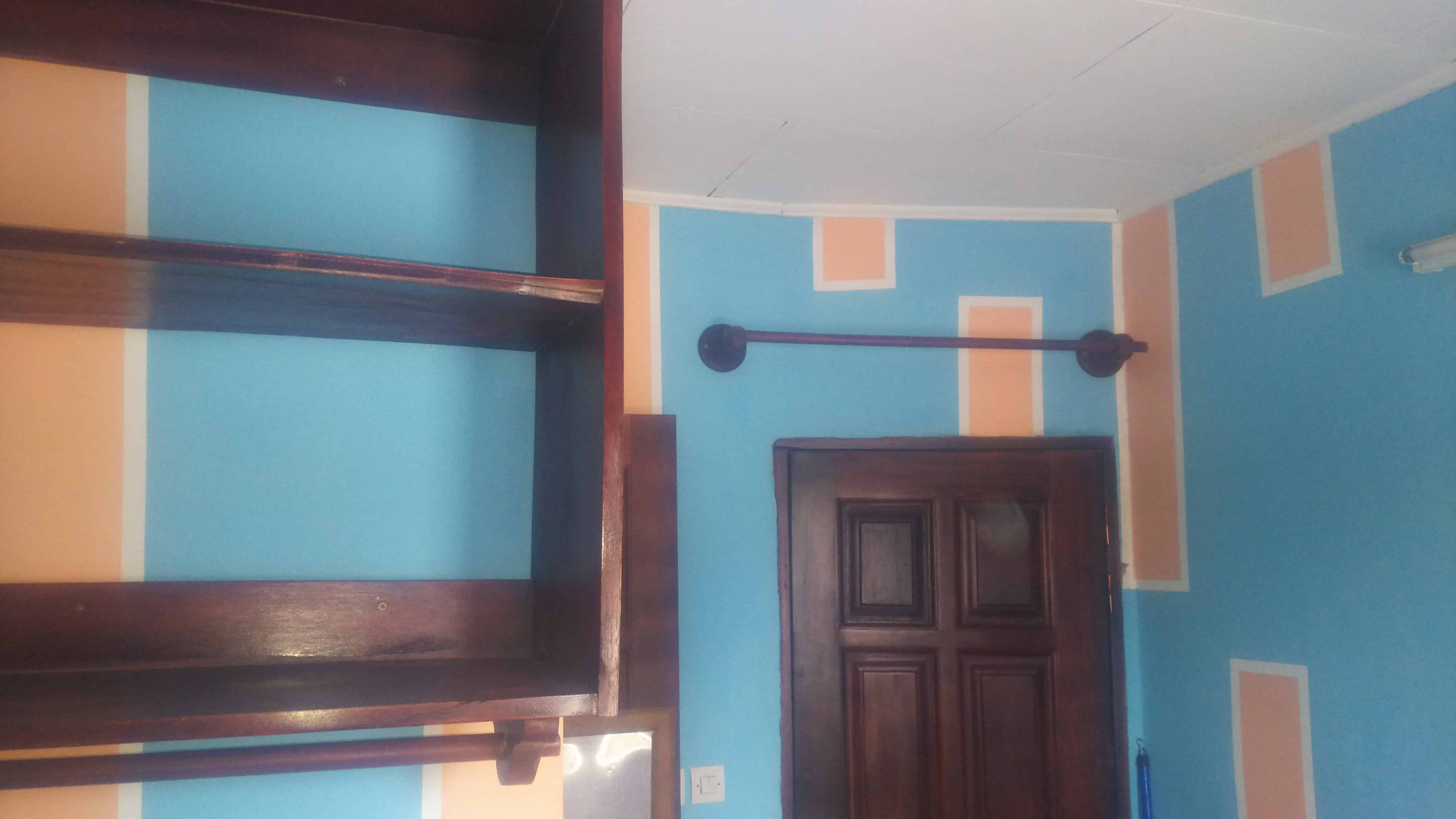 Studio to rent - Douala, Ndoghem, Cité Cicam - 30 000 FCFA / month