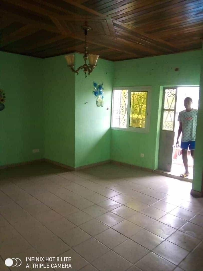 Apartment to rent - Douala, Logbessou I, Après la station nickel oil - 1 living room(s), 2 bedroom(s), 1 bathroom(s) - 85 000 FCFA / month
