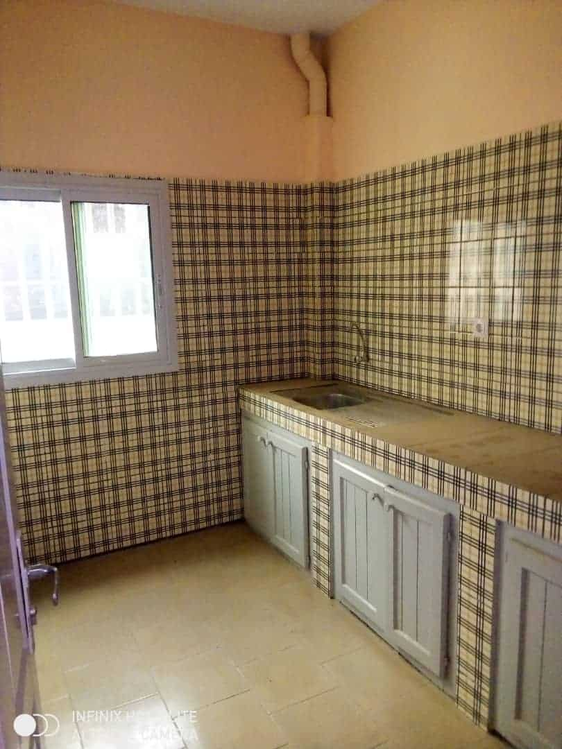 Apartment to rent - Douala, Logbessou I, Ver carrefour logbessou - 1 living room(s), 2 bedroom(s), 2 bathroom(s) - 80 000 FCFA / month