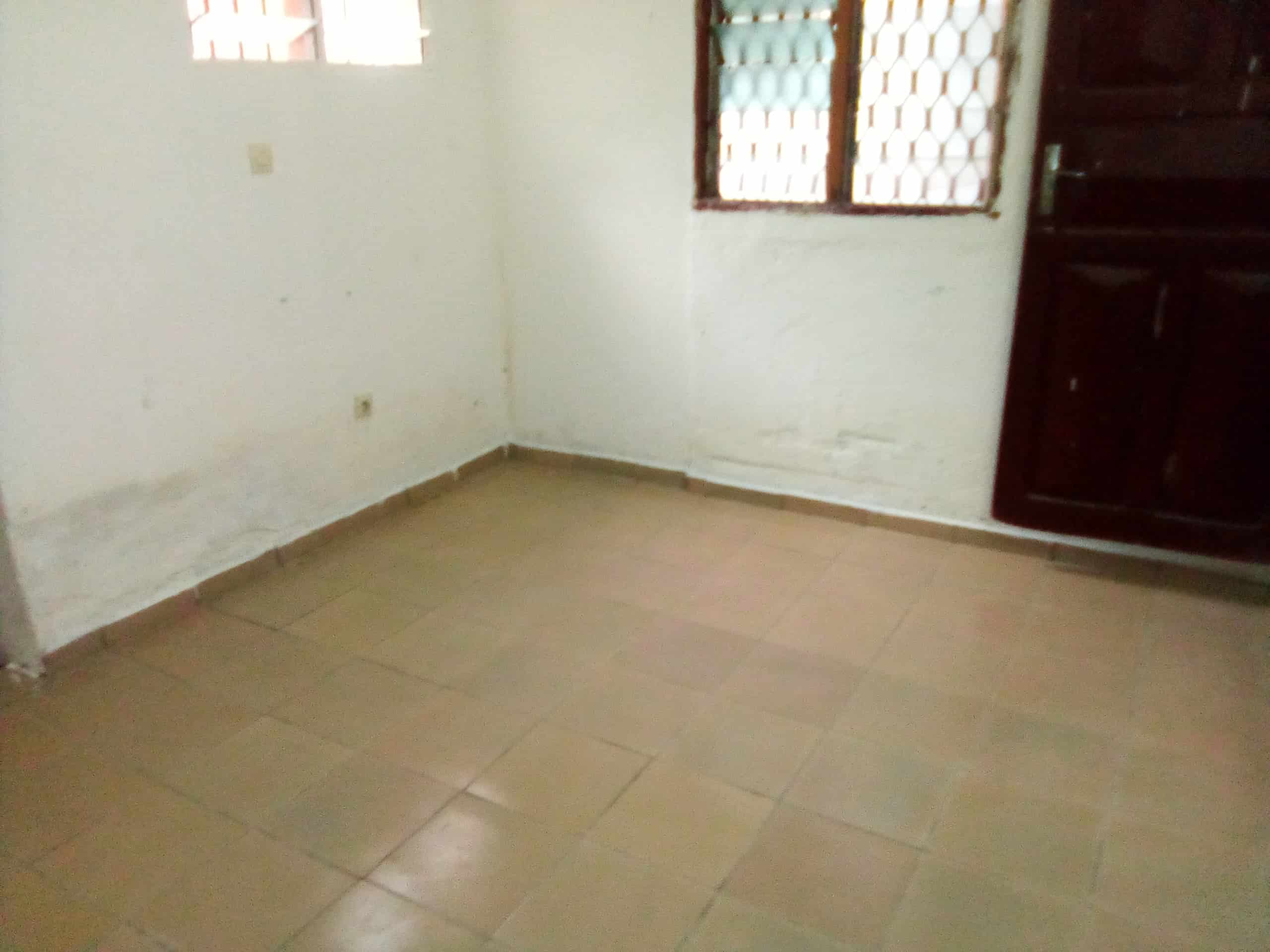 Studio to rent - Douala, Makepe, MAKEPE - 35 000 FCFA / month