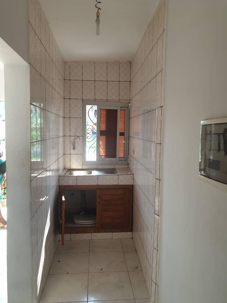 Apartment to rent - Douala, Bonamoussadi, Ver blog sonel - 1 living room(s), 1 bedroom(s), 1 bathroom(s) - 60 000 FCFA / month