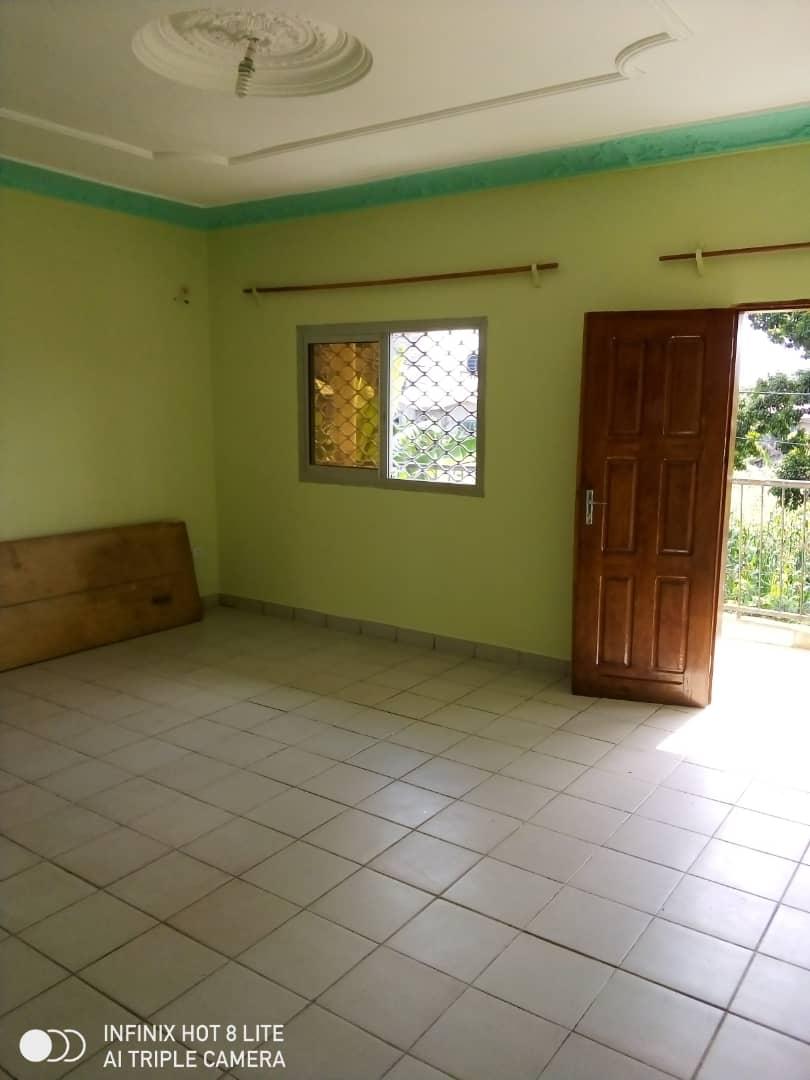 Apartment to rent - Douala, Logbessou I, Derrière la station nickel oil - 1 living room(s), 2 bedroom(s), 1 bathroom(s) - 85 000 FCFA / month