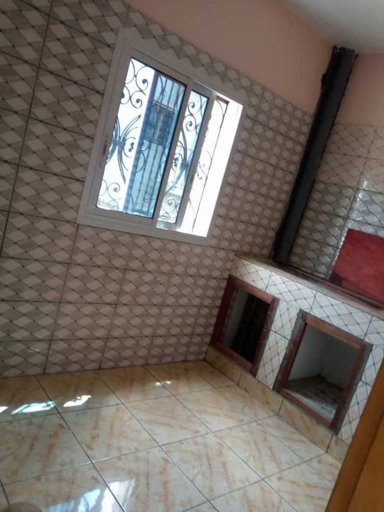 Apartment to rent - Douala, Logbessou II, Ver carrefour logbessou - 1 living room(s), 2 bedroom(s), 2 bathroom(s) - 100 000 FCFA / month