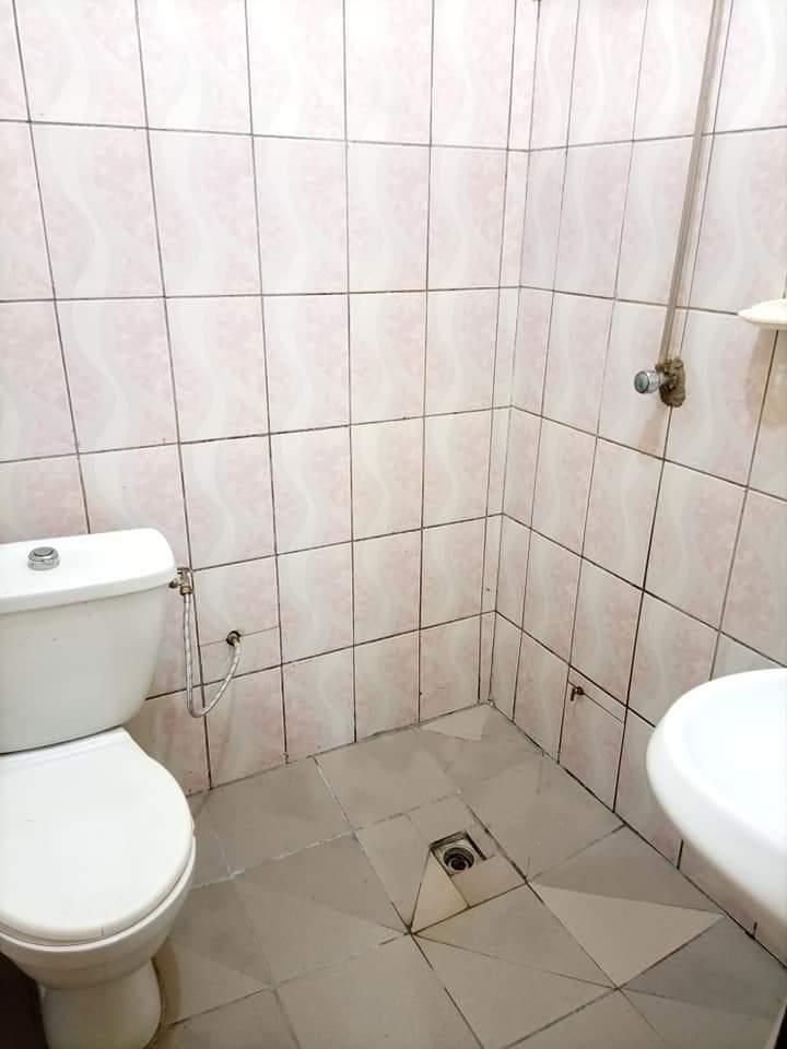 Studio to rent - Douala, Makepe, ENTRÉE BM MAKEPE RUE DES PAVES(CHAMBRE MODERNE DOUCHE CUISINE PLACARD). - 40 000 FCFA / month